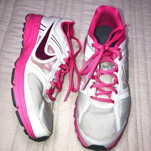 Nike Womens Air Relentless 3 Running Shoes